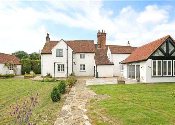 Chipperfield Road, Bovingdon, Hemel Hempstead, Hertfordshire, HP3