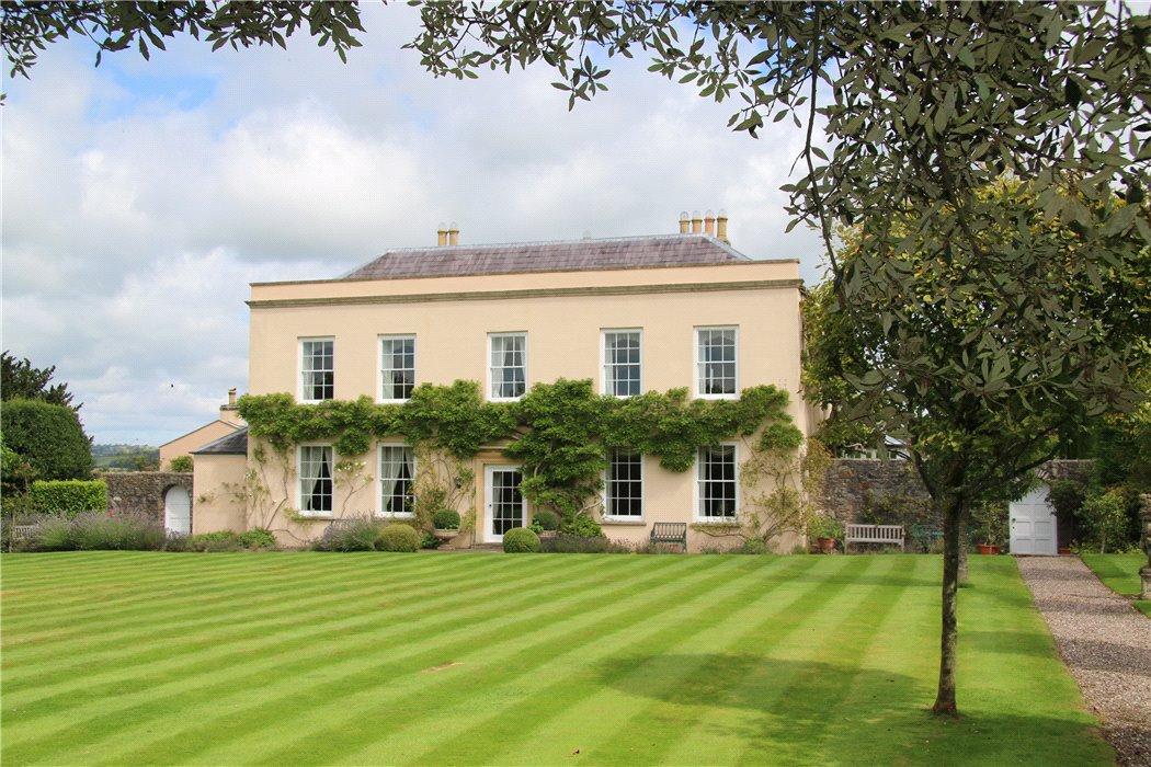 Uk country houses for sale country estate sales knight for Mansion estates for sale
