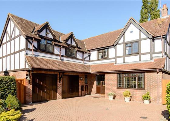 Blenheim Close, Sawbridgeworth, Hertfordshire, CM21