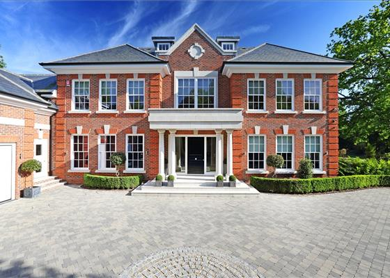 Montrose Gardens, Oxshott, Leatherhead, Surrey, KT22
