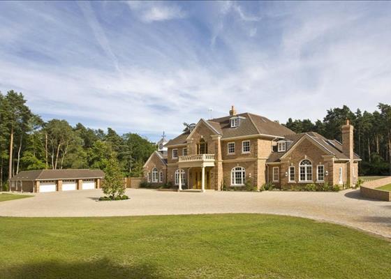 Hatton Hill, Windlesham, Surrey, GU20