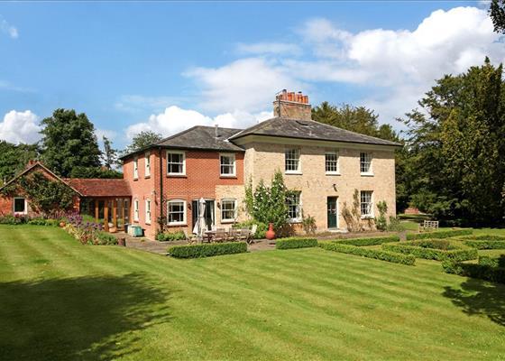 Hackwood Park, Basingstoke, Hampshire, RG25