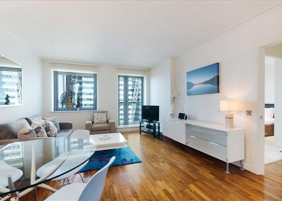 Discovery Dock Apartments East, 3 South Quay Square, Nr Canary Wharf,...