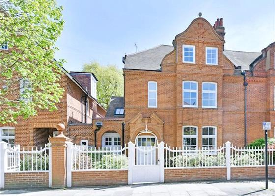 estate agents in chiswick knight frank. Black Bedroom Furniture Sets. Home Design Ideas
