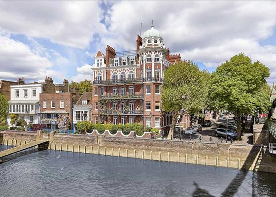 Digby Mansions, Hammersmith Bridge Road, London, W6