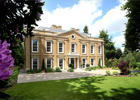 Old Avenue, St George's Hill, Weybridge, Surrey, KT13