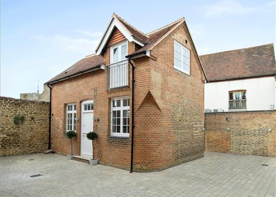 Chapel Street, Guildford, Surrey, GU1