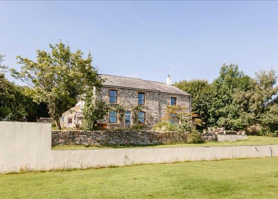 Hillside, Llangattock, Crickhowell, Powys, NP8