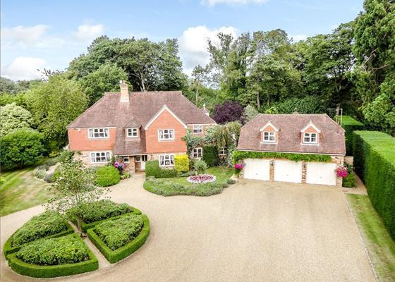 Park Side, Henley-On-Thames, Oxfordshire, RG9