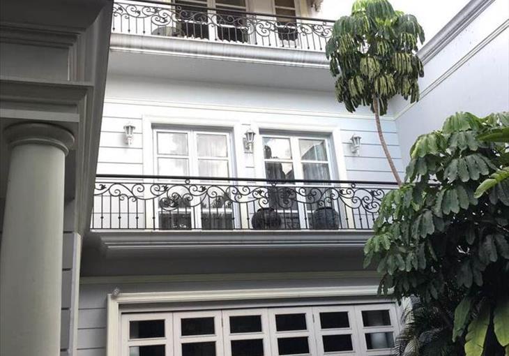 / Rumah di Jual Jl. Pakubuwono VI, South Jakarta