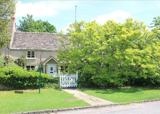Lower End, Ramsden, Chipping Norton, Oxfordshire, OX7