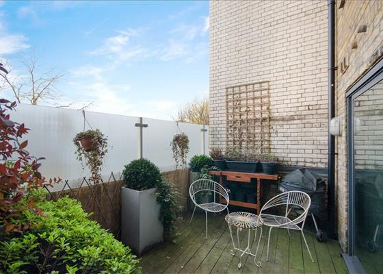 EastOne Apartments, 10 Lolesworth Close, Spitalfields, London, E1