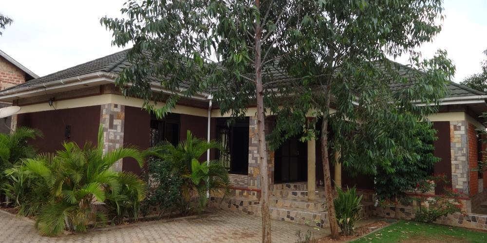 RS10216,Kyaliwajjala-Kampala