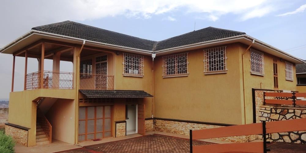 RS10220,Mutungo-Kampala