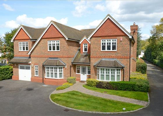 Ashley Close, Walton-on-Thames, Surrey, KT12