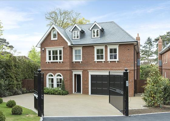Cobbetts Hill, Weybridge, Surrey, KT13