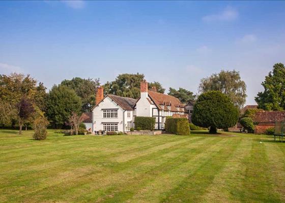 Chevington Lane, Drakes Broughton, Pershore, Worcestershire, WR10